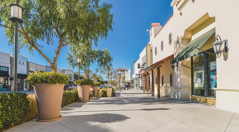 street in san diego shopping district